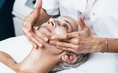 Chemical Peel vs. Laser Resurfacing: A Detailed Comparison